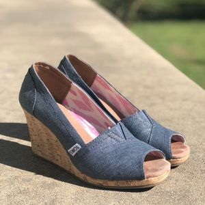 EUC Toms Classic Espadrille Wedge Sandal